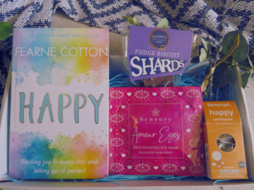 Gift Box, Book and Cosy Treats Care Package with Happy Book, happy tea, eye mask and chocolate shards